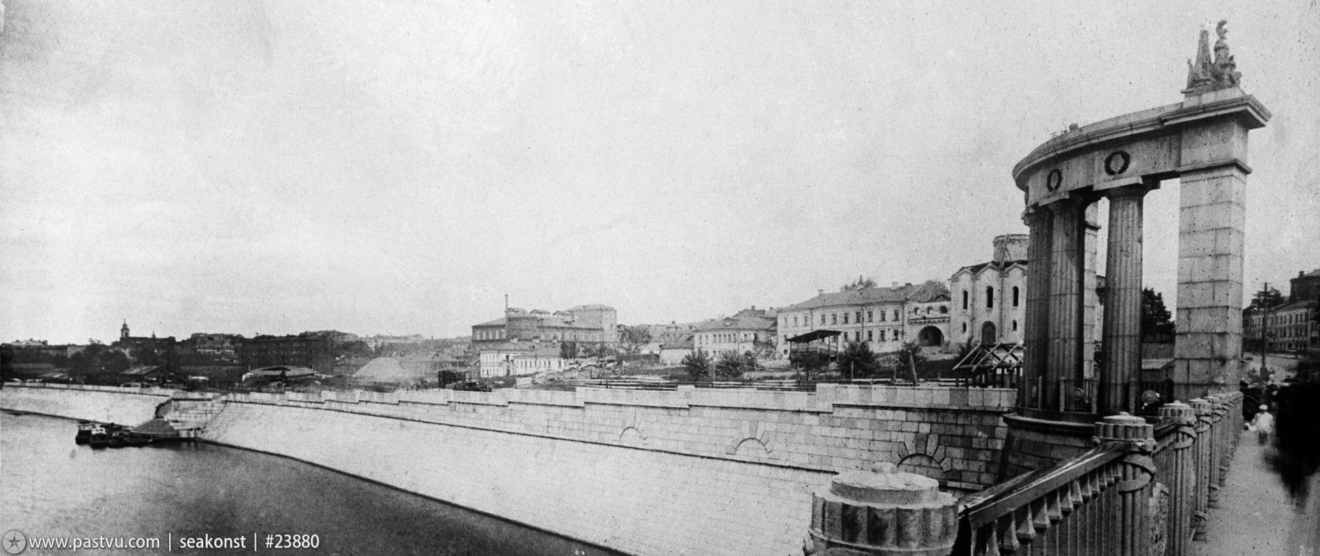Первым делом завод «Напильник» спилил с храма купол