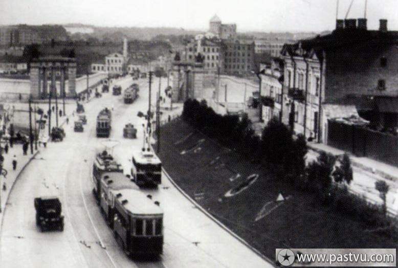 Смоленская Улица, около 1935 года. Источник: Музей Истории Транспорта г.Москвы