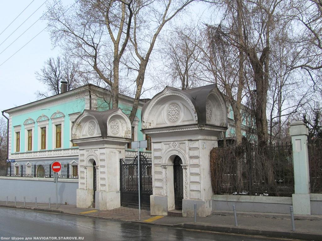 Две утраченные домовые церкви во имя св. Марии Египетской и св. Николы Чудотворца в доме Ф.Е. Морозовой (Большой Трехсвятский пер. 1-3).