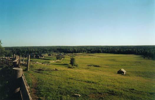 Именно с этого холма с Церкви к лесу катились колокола