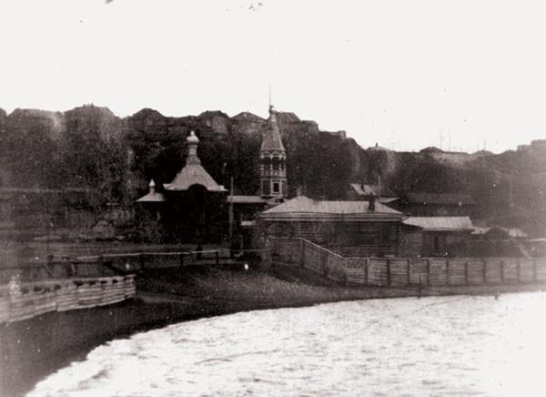 Храм во имя Честнаго и Животворящаго Креста Господня. Барнаул