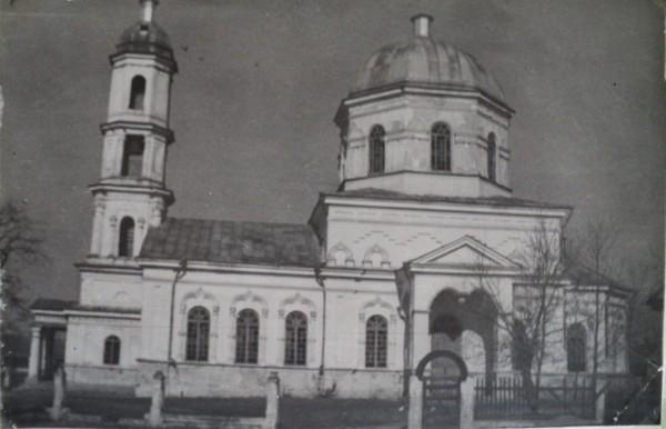 Храм во имя великомученика Димитрия Солунского до разрушения. Василевка