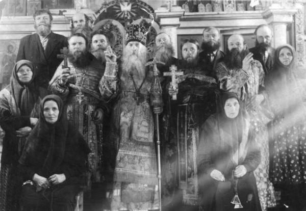 Архиепископ Епифаний, духовенство и прихожане (г.Самара, начало 1960-х гг.)